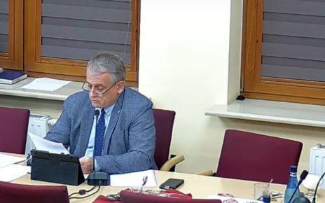 Jarosław Świerczyński na sesji Rady Miejskiej